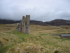 Castle Ardvreck at the shores of Loch Assynt
