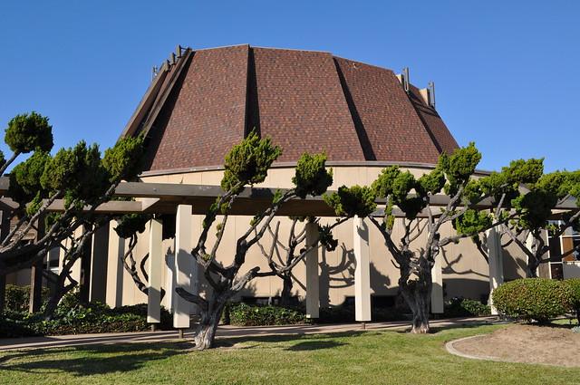 Another mid-century modern church