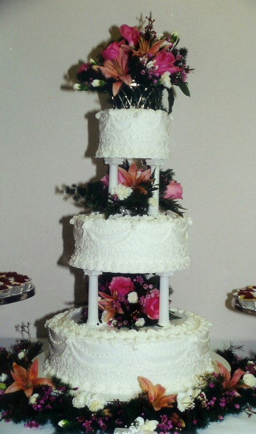 4 tier wedding cake to serve 150 three tier wedding cake with columns and filigree 10420