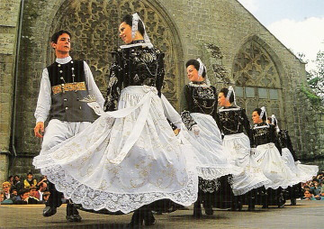 Traditional Dance Of France Information http://www.flickr.com/photos/82737914@N00/3252650139/