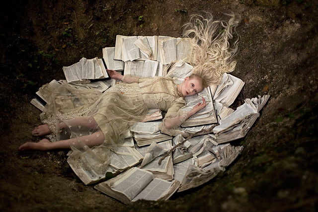 Kirsty Mitchell - Wonderland : Once Upon a Time