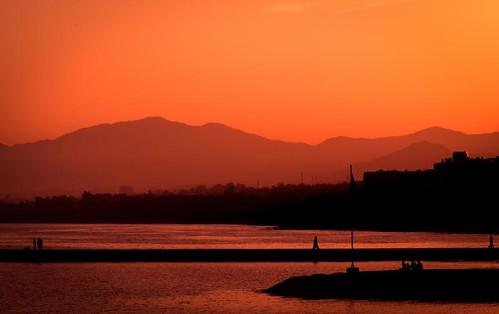 sunset sea people españa orange black mountains nature spain mediterranean andalucia andalusia marbella jetties steveh canoneos5dmk2 canonef100mmf28lmacroisusm
