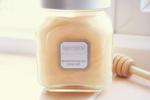 {laura mercier: almond bubbles}