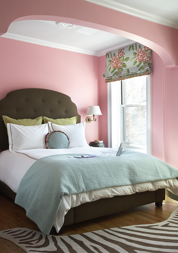 The perfect pink? Brooklyn bedroom with Dorothy Draper fabric