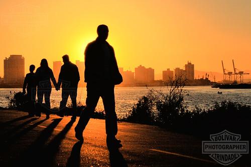 city sunset pordosol cidade people sun sol silhouette brasil backlight port contraluz canal pessoas bolivar porto santacatarina hdr itajai trindade silhoueta molhes