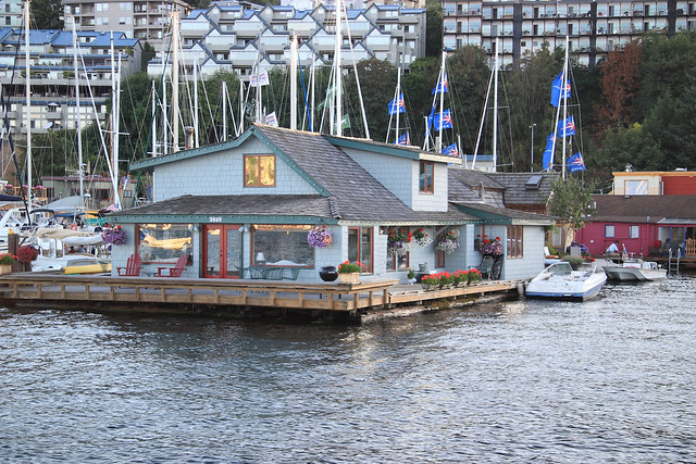 Sleepless In Seattle Houseboat Flickr Photo Sharing