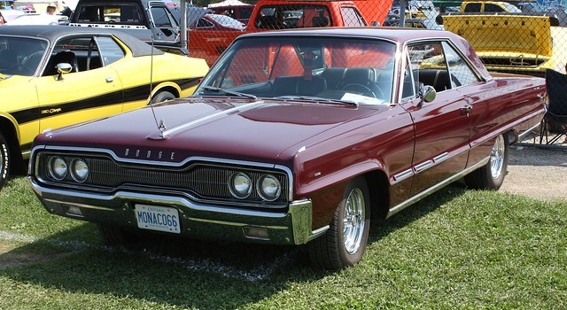 1966 dodge monaco 2 door hardtop canadian flickr. Black Bedroom Furniture Sets. Home Design Ideas