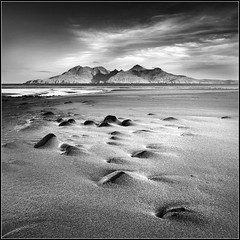 Monochromatic Dawn on Eigg