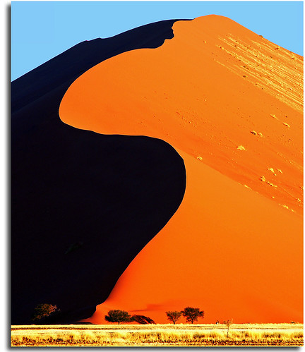 africa travel sunset sony dune redsand surreal safari namibia sanddunes oryx sossusvlei a700