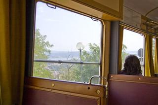 paesaggio dal finestrino del tram