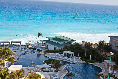 Le Meridien Cancun Pools