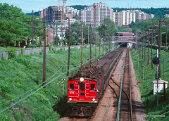 funicular(0.0), vehicle(1.0), train(1.0), transport(1.0), rail transport(1.0), public transport(1.0), locomotive(1.0), rolling stock(1.0), track(1.0), land vehicle(1.0),