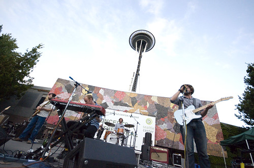 Photos from the last night of concerts at the mural with for Concerts at the mural seattle