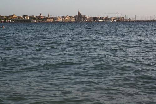 vistas de alghero desde la playa