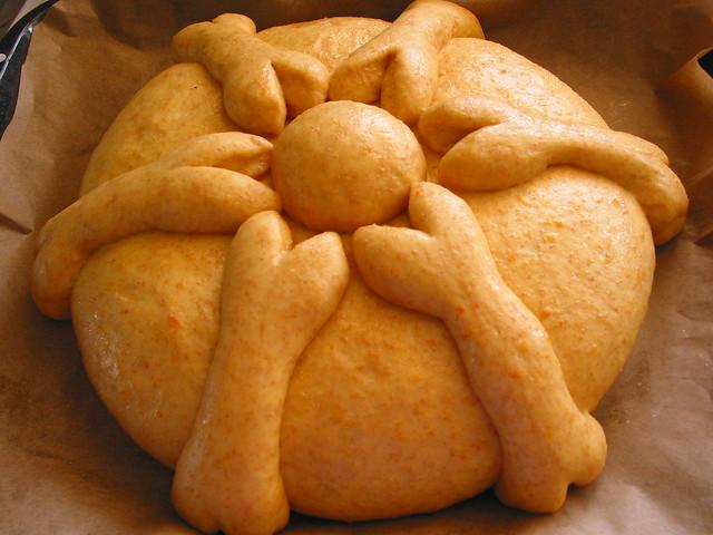 pan de muerto: shaped loaf | Flickr - Photo Sharing!