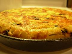 breakfast(0.0), produce(0.0), meal(1.0), frittata(1.0), baked goods(1.0), zwiebelkuchen(1.0), food(1.0), dish(1.0), cuisine(1.0), quiche(1.0), tortilla de patatas(1.0), cottage pie(1.0),