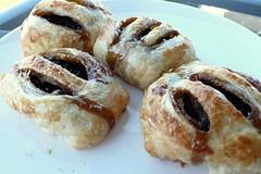 meal(0.0), rugelach(0.0), kifli(0.0), cinnamon roll(0.0), pä…czki(0.0), sausage roll(0.0), baking(1.0), baked goods(1.0), pain au chocolat(1.0), food(1.0), viennoiserie(1.0), dish(1.0), dessert(1.0), cuisine(1.0), danish pastry(1.0),