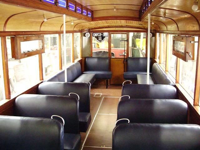 Ashton 8 - 1928 Karrier WL6 (3-axle) English Electric TE5780 interior rearwards $<