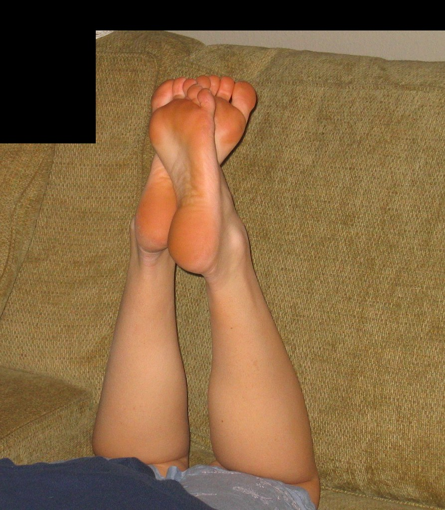 Mature feet pose