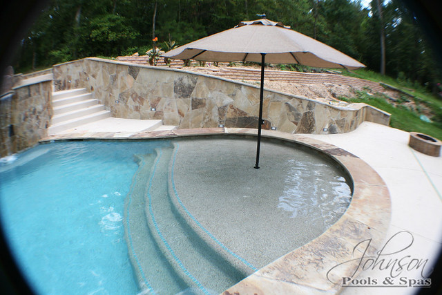 Johnson pools sun shelf with umbrella flickr photo for Pool design with sun shelf