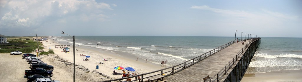 Broad perspective for Carolina beach fishing pier