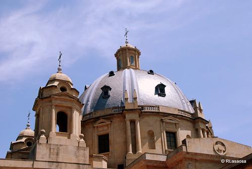 Pamplona - Monumento a los Caídos by Rufino Lasaosa