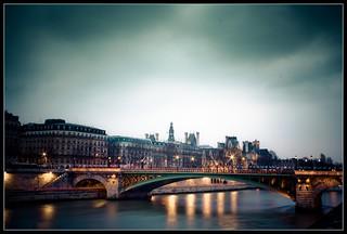 Anocheciendo en París