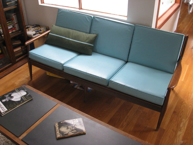 Danish Modern Sofa 1/4 | 500 x 375 · 122 kB · jpeg