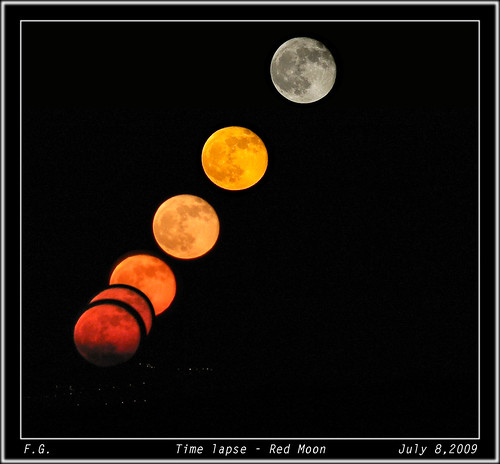 Red Moon: Time lapse of a transformation
