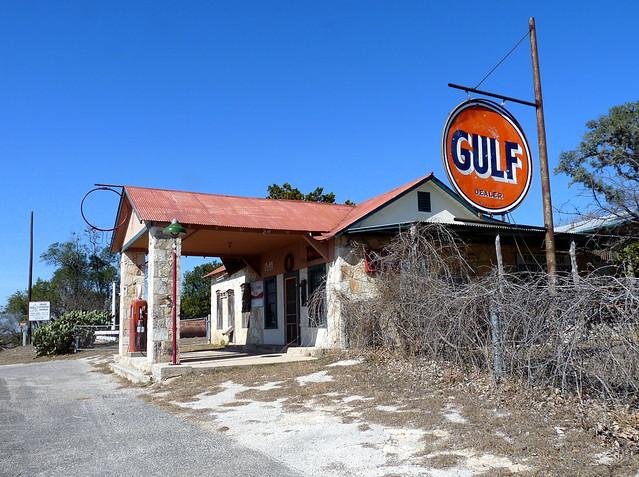 Gulf filling station - Bandera, Texas U.S.A. - January 29, 2009