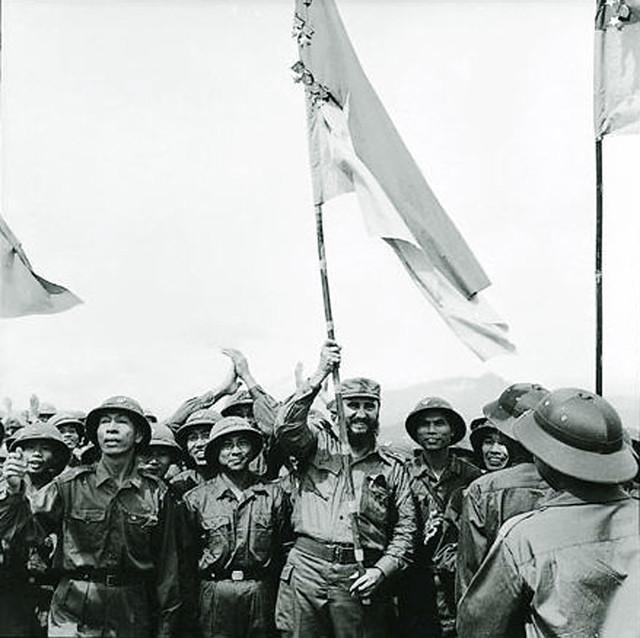 Chủ tịch Cuba Fidel Castro thăm Hà Nội và vùng giải phóng gần Khe Sanh, Quảng Trị, tháng 9-1973