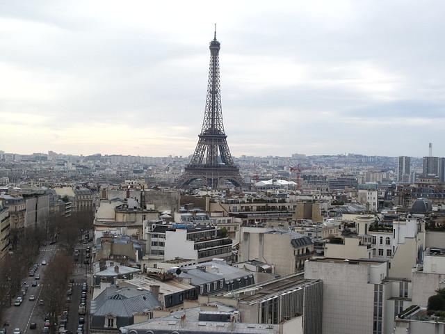 Paris vue vers la tour eiffel d 39 en haut de l 39 arc de triomphe flic - L eclat de verre paris ...