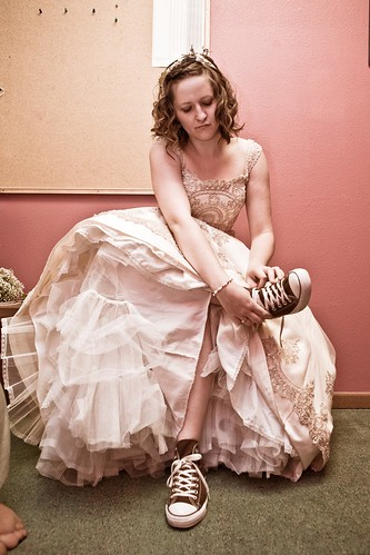 My dress doesn 39 t define me how a tomboy learned to love for Wedding dresses for tomboy brides