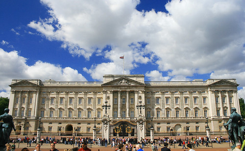 Buckingham Palace by Valdiney Pimenta