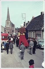 1964 Les géants Tisje Tasje et sa seconde épouse Toria d'Hazebrouck à Noordpeene, Nord