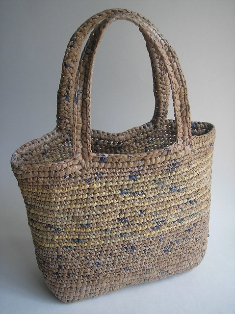 Free Crochet Patterns Plarn Bags : crocheted plarn bag Flickr - Photo Sharing!