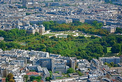 Flying over le Jardin du Luxembourg (View it in large!)