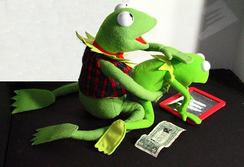Kermit the Frog Cocaine | Heather Gwinn | FlickrKermit Drinking Bleach