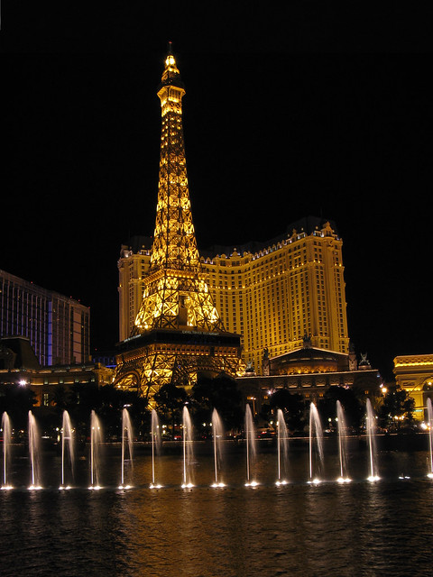 Paris las vegas the fountains of bellagio flickr for Garden statues las vegas nv