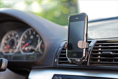 iPhone/iPod car mount 2