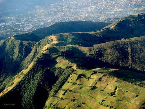 mountains landscape quito ecuador view paisaje paisagem aerial andes vista montanhas aérea montañas