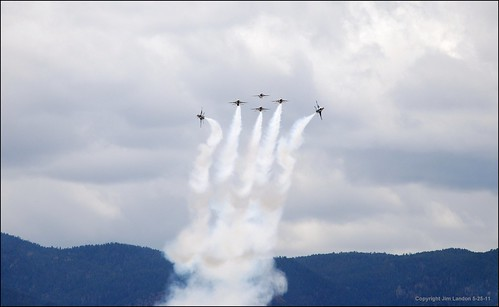 usa plane airplane team colorado aviation smoke jets graduation denver aeroplane f16 elite coloradosprings perform thunderbirds serendipity academy performers usaf pilot flyover lockheedmartin aeronautical fightingfalcon bej