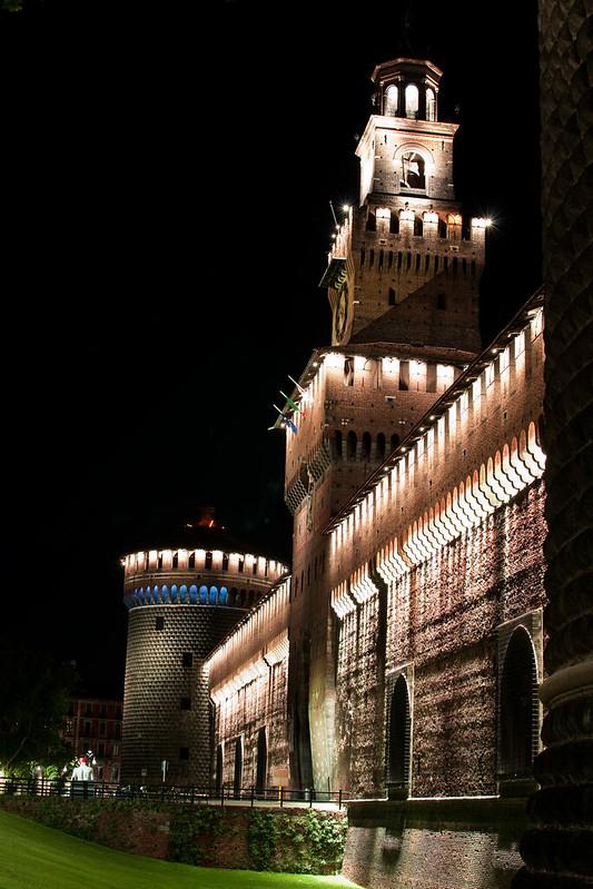 Castello Sforzesco - notturno