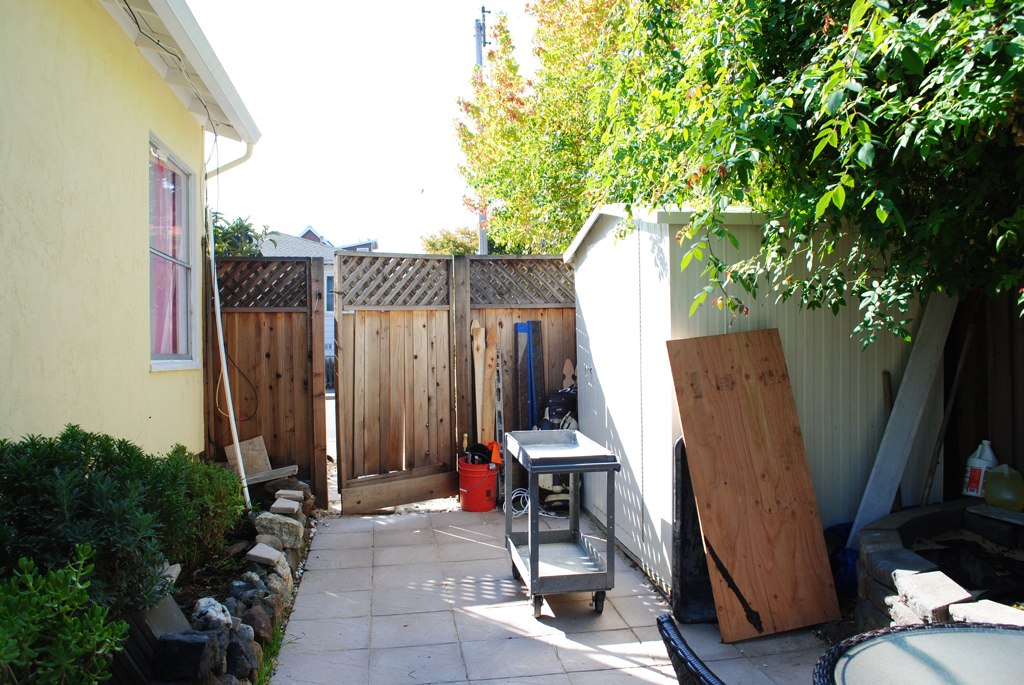 Duplex Backyard