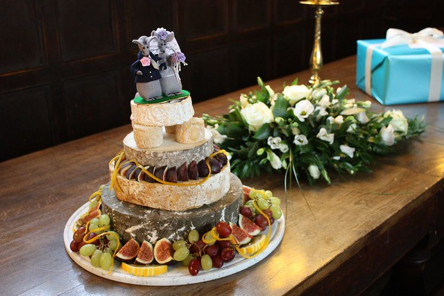 different kinds of wedding cakes a different of wedding cake flickr photo 13520