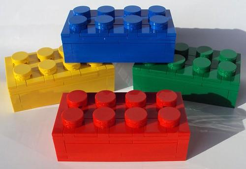 2 4 lego brick boxes modelbuildingsecrets 39 s weblog