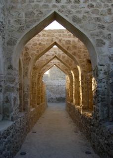Image de Qal'at al-Bahrain près de Jidd Ḩafş. bahrain fort