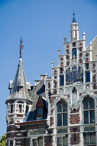 Palazzo con meridiana