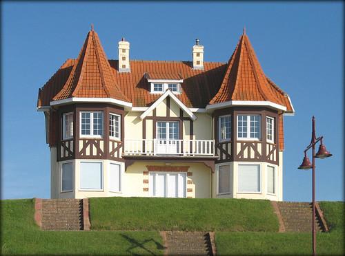 Belle Epoque beside the Sea - De Haan Belgium