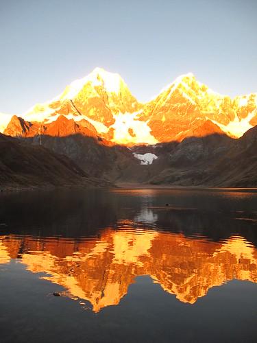 travel lake mountains reflection peru southamerica sunrise trekking walking hiking andes rtw huayhuash huaraz ancash cordillerahuayhuash huayhuashcircuit